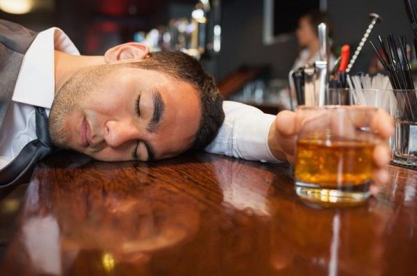 Cách chữa mệt mỏi sau khi uống rượu
